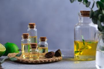 Чим відрізняються ефірні олії від жирних?
